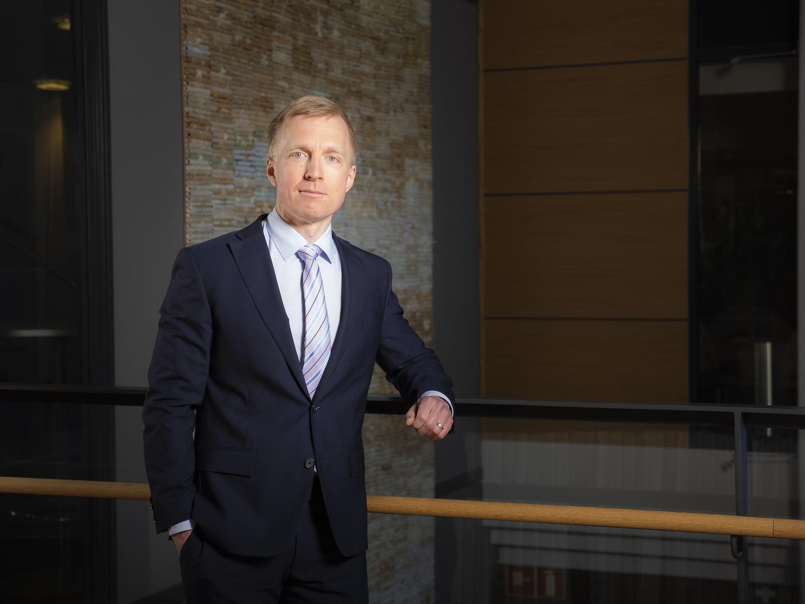Kuluttajamyynnistä vastaava johtaja, Juhana Tikka