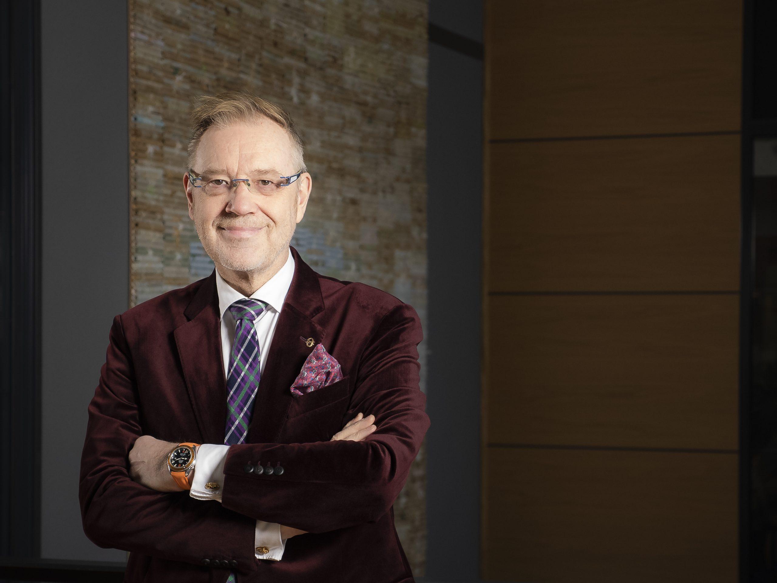 Konsernijohtaja, Vesa-Pekka Kangaskorpi